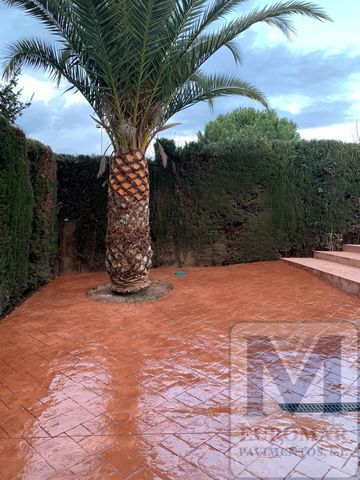 pavimento marron de hormigon impreso en vivienda de cantabria