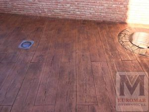 suelo de hormigón fratasado estilo madera