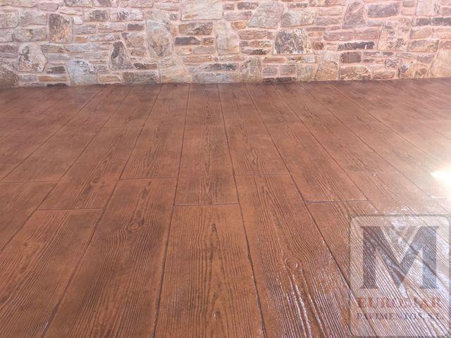 Hermoso suelo imitación madera