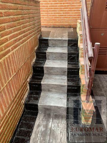 escaleras con revestimiento vertical